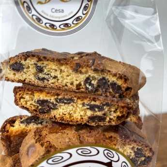 """<h5>Classic chocolate """"cantucci"""", the typical Tuscan dessert, revisited with the addition of chocolate.</h5>"""