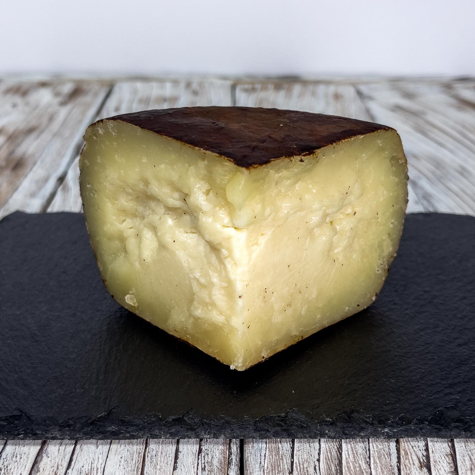 """When it comes to Tuscan excellence, a careful eye can certainly not miss the taste of this cheese that represents the perfect meeting between two excellences of this territory that continue to delight old and new palates. We are talking about the union between the """"Crosta D'Oro"""" Pecorino and the Vestri chocolate that, thanks to the intuition and the certified and guaranteed experience of the refitor and cheese researcher Andrea Magi, give life to a unique piece to be appreciated by the nose and, above all, by the taste."""