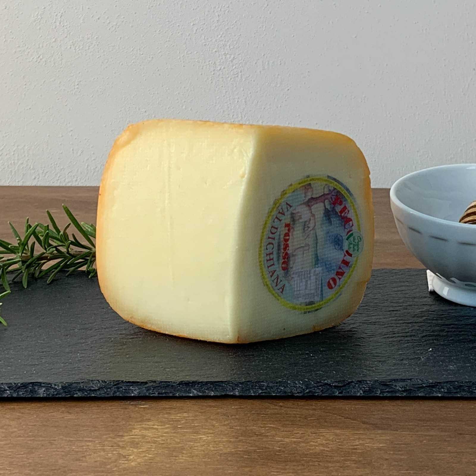 Halb-Gereifter Toskanische Pecorino-Käse.