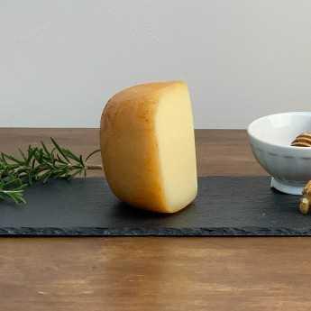 """<h5>""""Rosso Valdichiana"""" Semi-Aged Tuscan Pecorino Cheese.</h5>"""